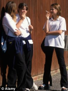 Smokers: Lung cancer rates have almost doubled among women