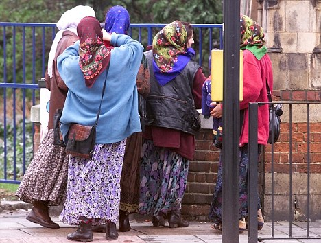 Romanian gangs flooding London with pickpockets and