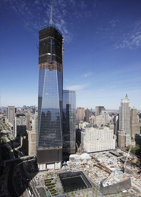 One World Trade Center becomes New Yorks tallest