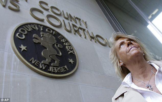 Ante el calor: Krentcil se declaró no culpable en la corte el miércoles