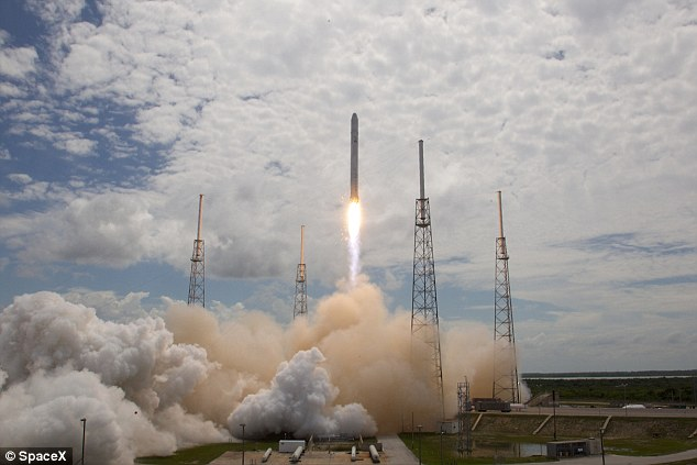 Launch of Falcon 9 Flight 1 from the SpaceX launch pad at Launch Complex 40, Cape Canaveral, Florida in 2010