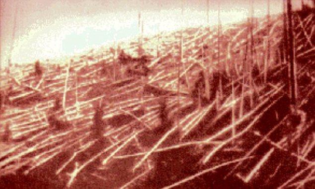 En 1908 un objeto desconocido desde el espacio han causado cientos de kilómetros cuadrados de bosque para aplanar en Tunguska, en Siberia y se cree que un daño similar se causó en 2012 DA14 si le pegó en el año 2020