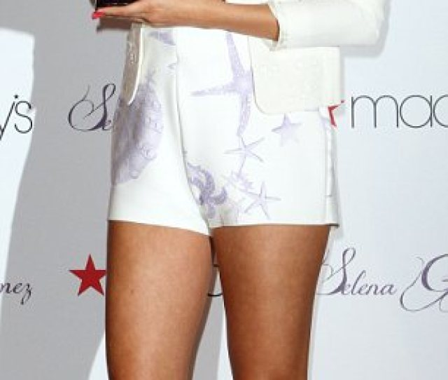 Legs Eleven The Bralet And High Waisted Shorts Showed Off Selenas Endless Pins And