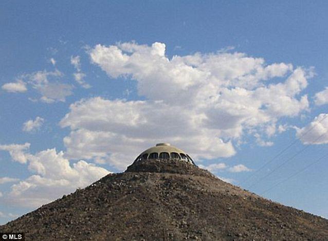 Camino en las nubes: La casa se encuentra en un silbido cónicos de 50 pies de fragmentos volcánicos