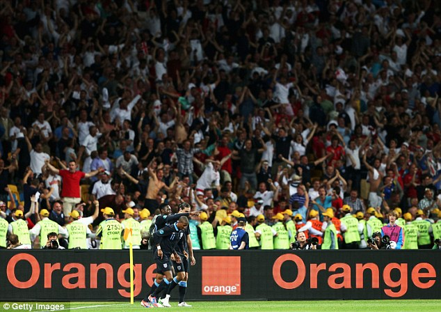 Euro 2012: UEFA probe England fans 'pitch invasion' during Sweden win  | Mail Online