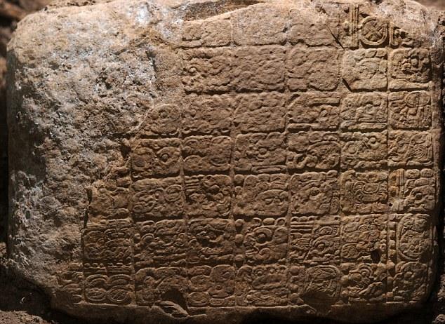 """Um comprimido recém-descoberto Maya revela a """"data final"""" para o calendário maia - é apenas o segundo artefato para especificar a data"""