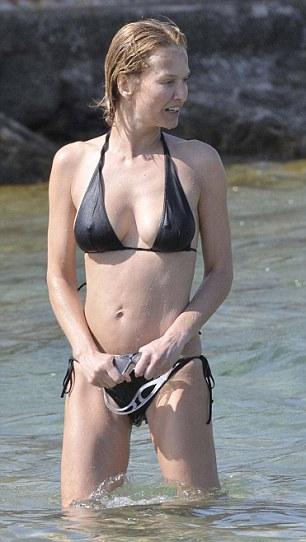 Supermodel Karen Mulder Back To Her Best Age 42 After