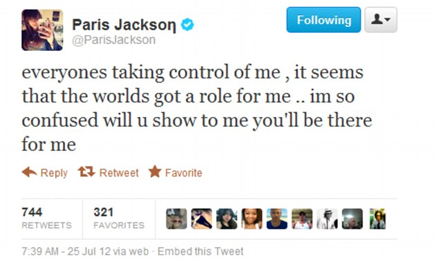 Resultado de imagen para paris jackson Millions of people listen to songs and remember the lyrics