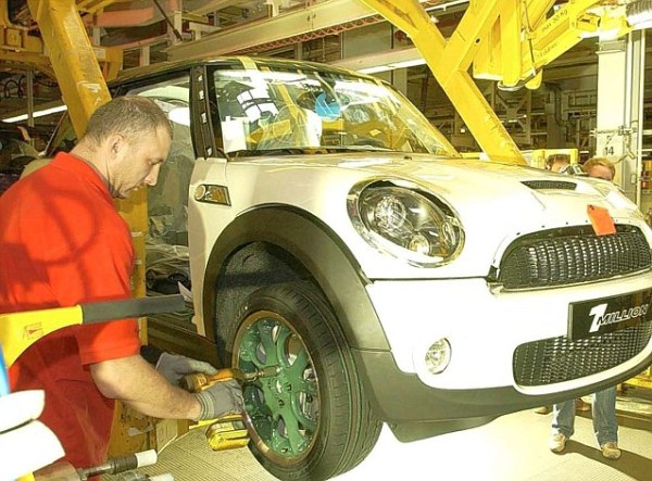 Amazing revival: Today's sleek Mini production line