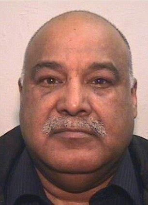 Vile:Racist paedophile muslim grooming gang rochdale leader Shabir Ahmed systematically rape of a young girl over the course of 14 years
