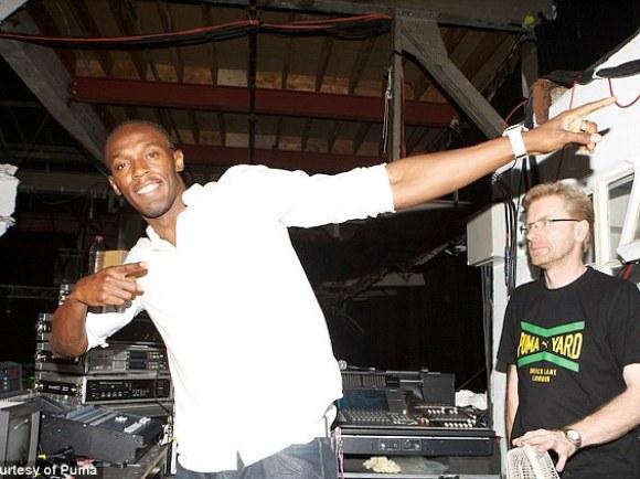 Legend: Bolt got his groove on