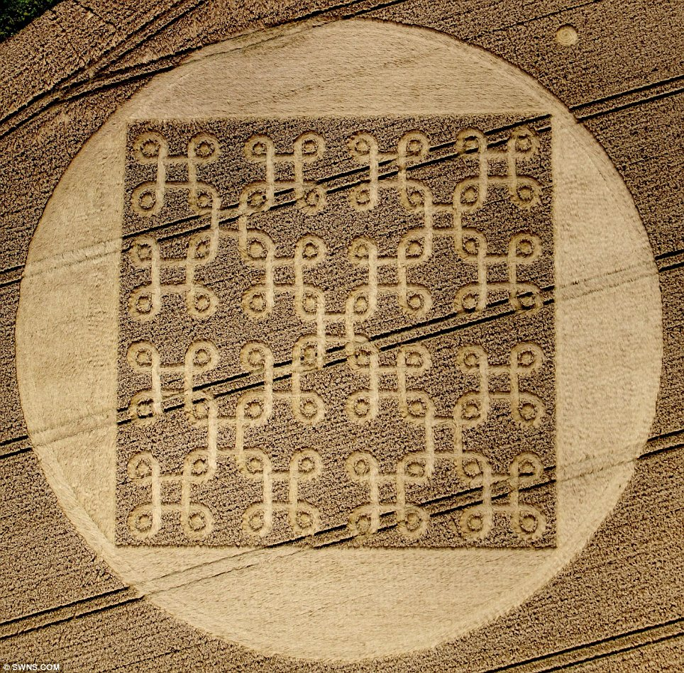 Endless: An 'Endless Knot' crop circle has been carved into a field at Cheesefoot Head, Winchester near the A272