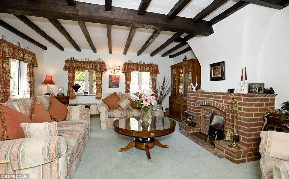 Christchurch Dorset Is This The Prettiest Cottage In