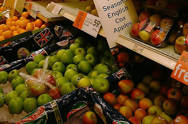 Stores routinely sell fresh fruit and vegetables in standard packs for a fixed price without providing a clear price comparison with the same items sold loose