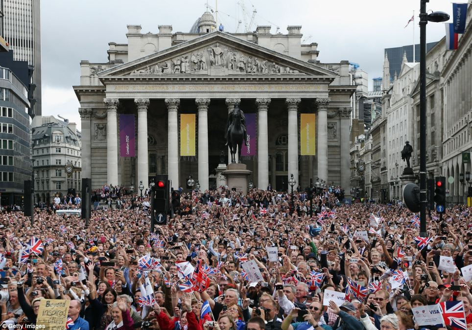 The National Gallery: Thousands of people line the streets during the London 2012 Victory Parade for Team GB and Paralympic GB