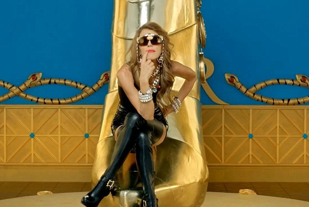 You need a fashion shower: So proclaims Anna Della Russo in a video to promote her new accessories range