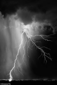 LIGHTNING PHOTOGRAPHYS: lightning photography black and white