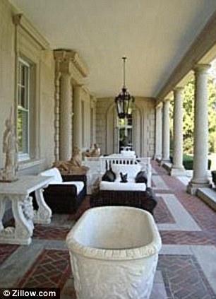 Rhode Island Mansion Where Socialite Claus Von Bulow Was