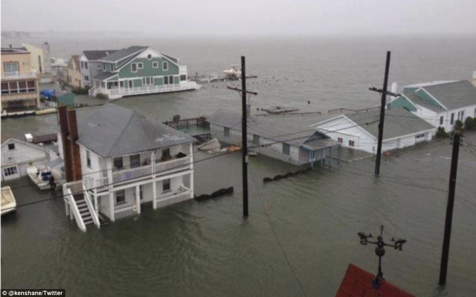 Empapado: Hogares en Ocean City, en Nueva Jersey ya están sumergidos - Horas antes de la llegada prevista de la tormenta