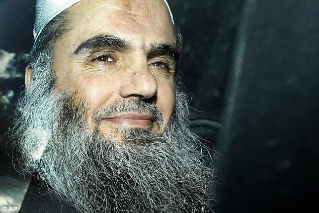 Sospechoso de terrorismo: Abu Qatada (en la foto, en abril) ha ganado su apelación contra la deportación a Jordania para ser juzgado