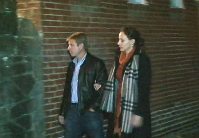 Petraeus scandal Paula Broadwell puts on show of solidarity with her husband Scott  Daily Mail