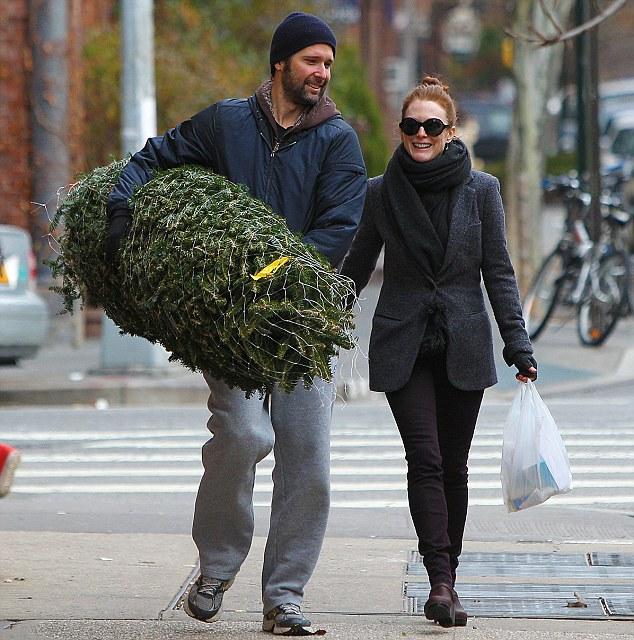Julianne Moore And Husband Bart Freundlich Pick Up A Tree