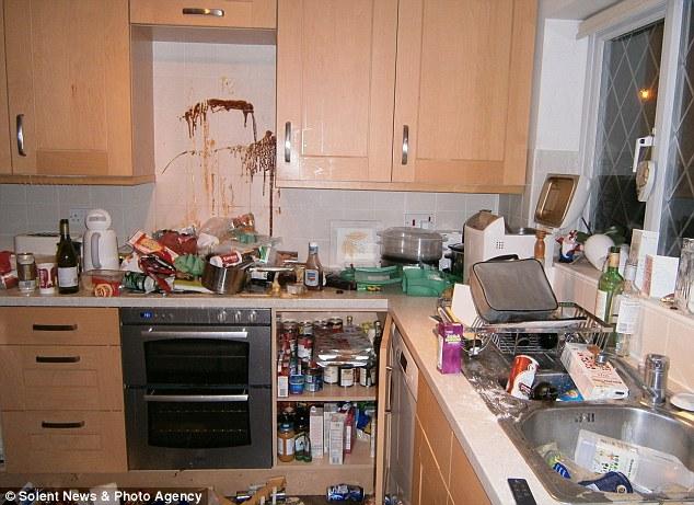 60 drug crazed teenagers trash 3 bedroom home after