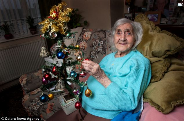 Is This The Oldest Christmas Tree In Britain 102 Year Old