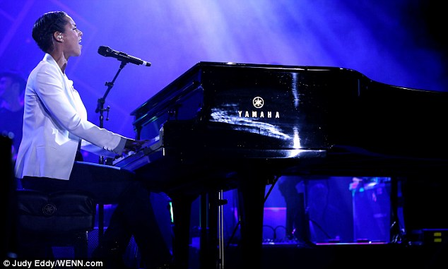 Trademark: Alicia began her performance on a grand piano which is how she often starts
