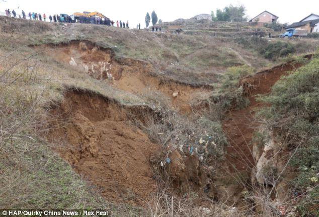 Corte: Más de 4.000 aldeas han quedado con un problema de suministro de agua como hundimiento de la tierra ha bloqueado algunas calas