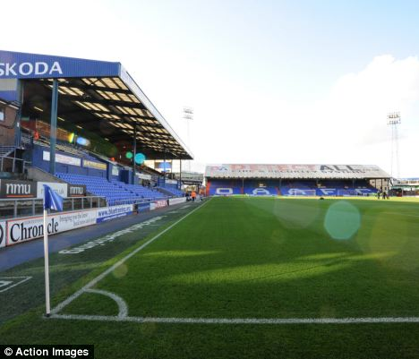 Oldham Athletic given pitch boost in fight against big freeze  Daily Mail Online