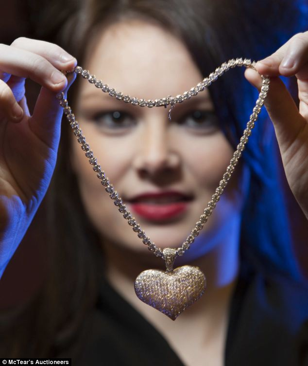 Now THAT Will Win Her Over Heart Shaped 22 Carat Diamond