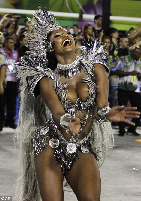 Drum королева Camilia Сильва, от Mocidade Independente Падре Мигель-де-школы самбы, танцы.