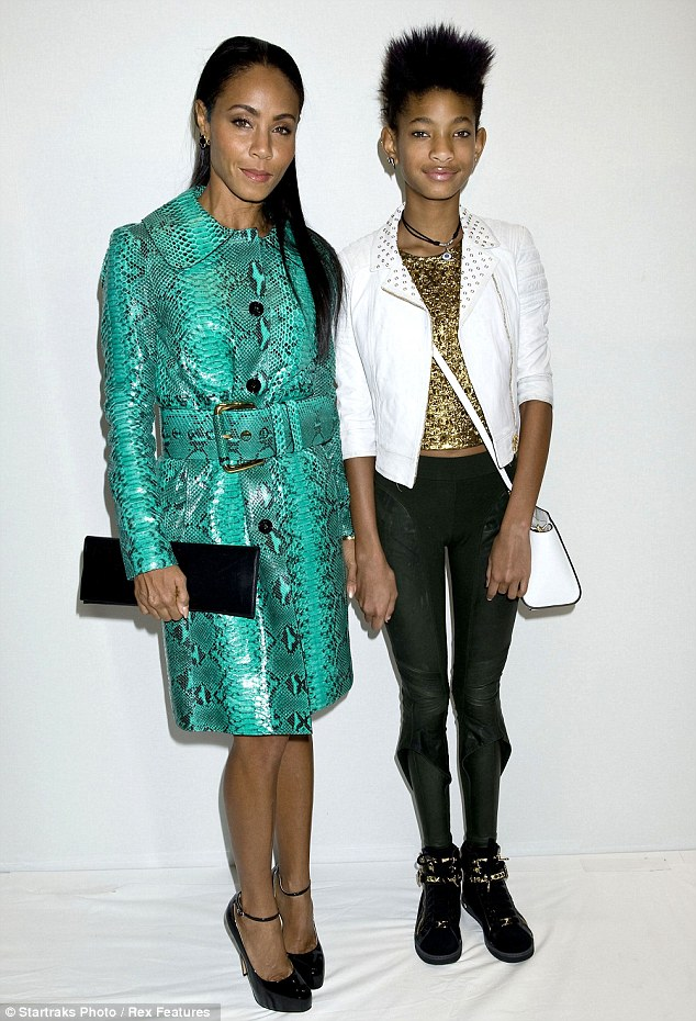 Portraits: Jada and Willow posed for an official portrait following the show