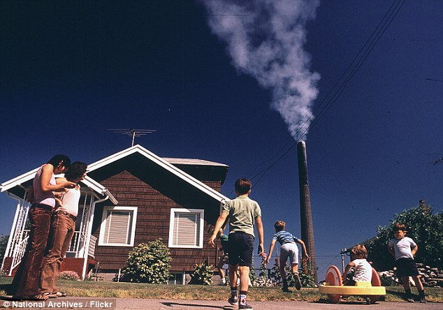 Polluted America In The 1970s As The Green Movement Grows Daily Mail Online