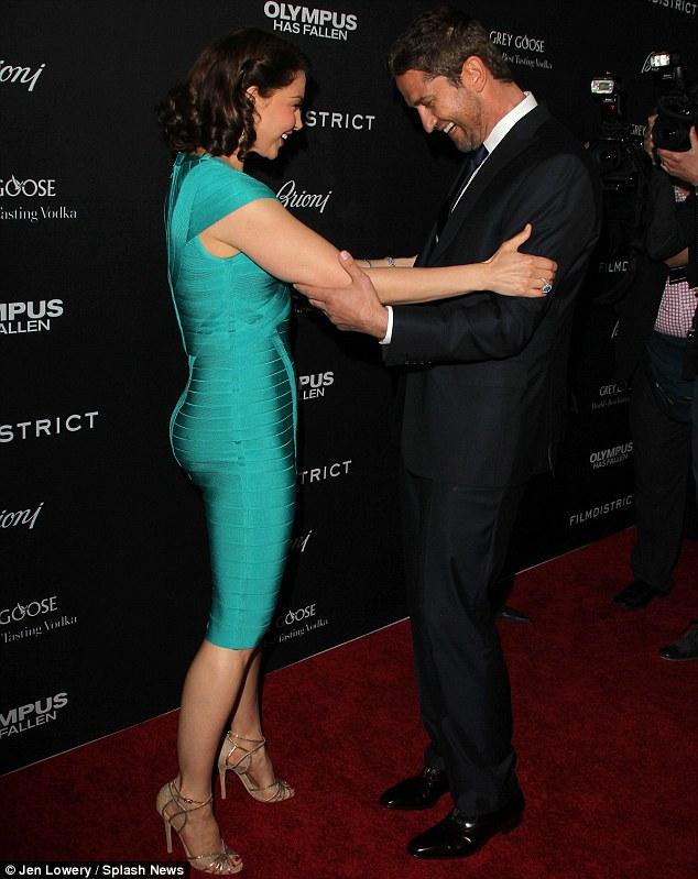 Ashley Judd Wows Gerard Butler In A Blue Body Contour