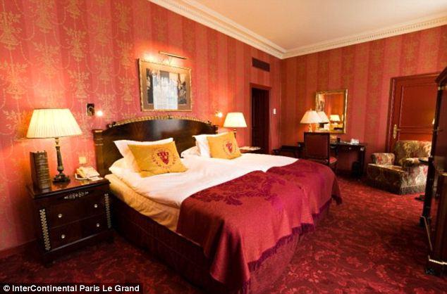 Room in Le Grande Hotel,Pars.