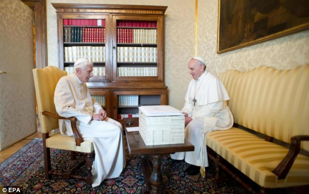 After their private chat, Francis and Benedict were joined for lunch by the two papal secretaries
