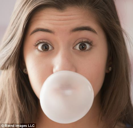 Scientists have discovered that people who chew gum eat more high-calorie, sweet foods
