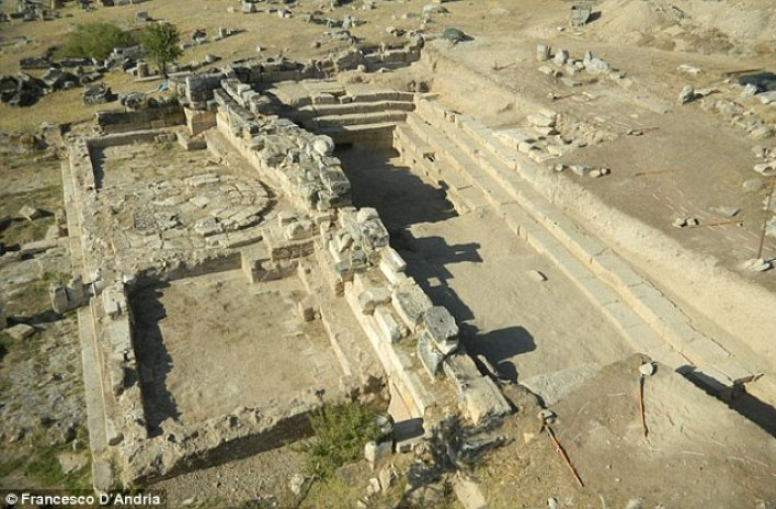 The site, in the ancient Phrygian city of Hierapolis, now Pamukkale in southwestern Turkey, is said to closely match historical descriptions