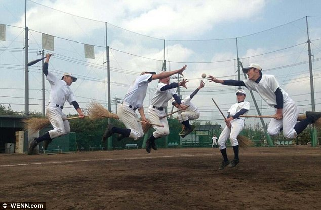 Catch the Snitch: These Japanese high school baseball players have judged their picture to perfection