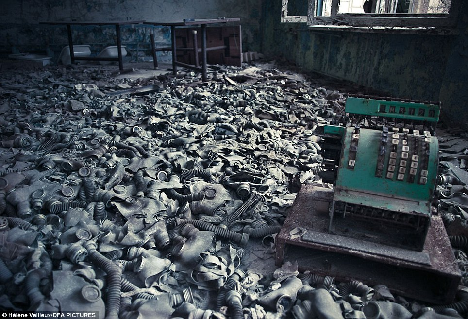 Wallpaper Border Falling Off Chernobyl Nuclear Disaster Eerie Photographs By Helene