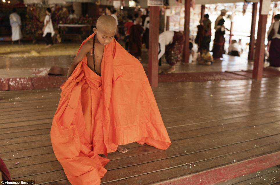 The The Win at the end of the ceremony. His family will leave him in the monastery where he will be 'alone' for the first time