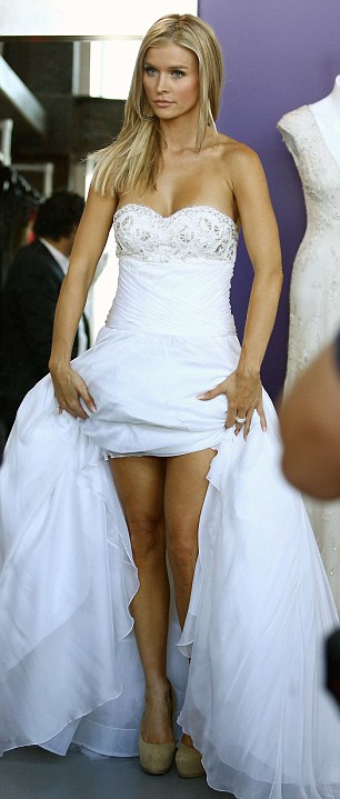 Real Housewives Joanna Krupa Hitches Up A Wedding Dress