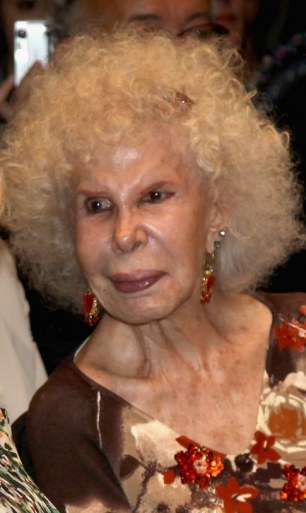 The Duchess of Alba watch a flamenco performance in 2011