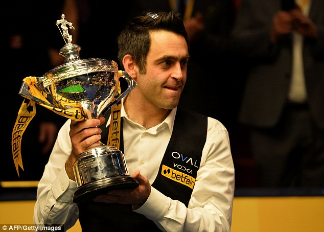 Class: O'Sullivan pulled away from Hawkins every time the underdog threatened to close the gap