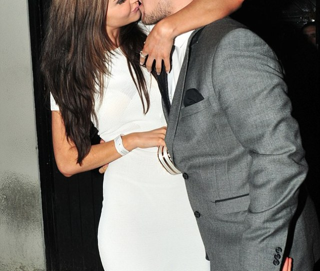 Jacqueline Jossa Had A Very Public Kiss With Boyfriend Tony Discipline At