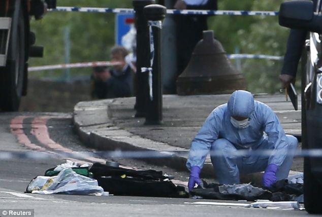 Man Beheaded in Woolwich,London,UK