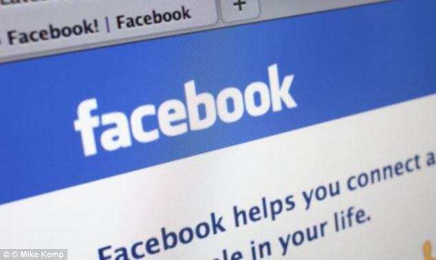 Facebook is rumoured to be testing a system that would make it possible to send private messages directly from the status box, instead of clicking through to the messaging page.