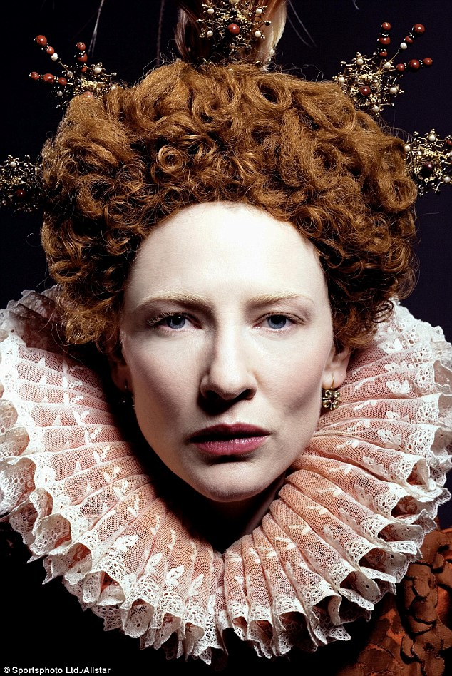 """Cate Blanchett como la reina Isabel en la película """"Elizabeth: La edad de oro '.  ¿Podría la reina virgen ser una parte de la mayor engaño de la historia británica?"""